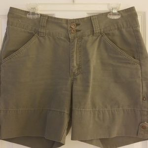 Greyish/army green cute shorts